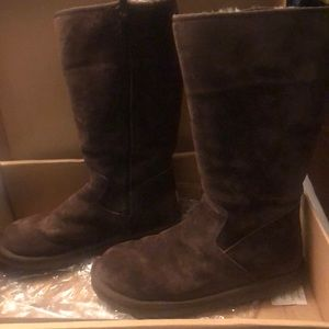Women's brown UGG boots